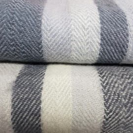 Plaid en pure laine brossé